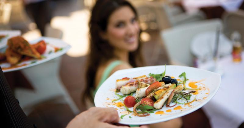 Ешьте здоровую пищу в ресторане: с этими советами это работает